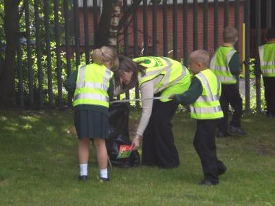 Litterpicking with school children